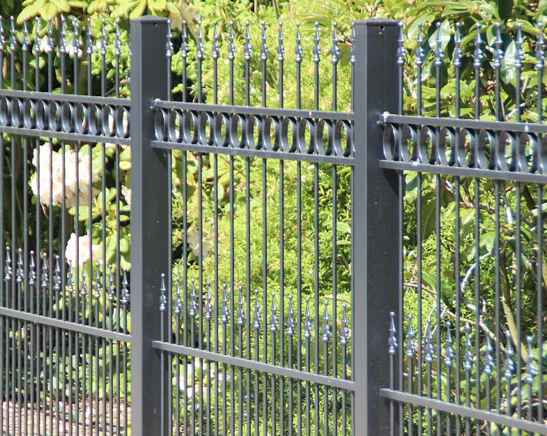 Der geradlinige Gartenzaun Athen von Zauncenter.