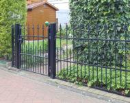 Der Gartenzaun Den Haag mit edlen Zierspitzen ist stabil.