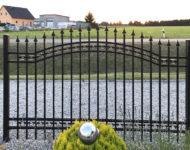Gartenzaun Dortmund mit Zierbogen und Zierspitzen.