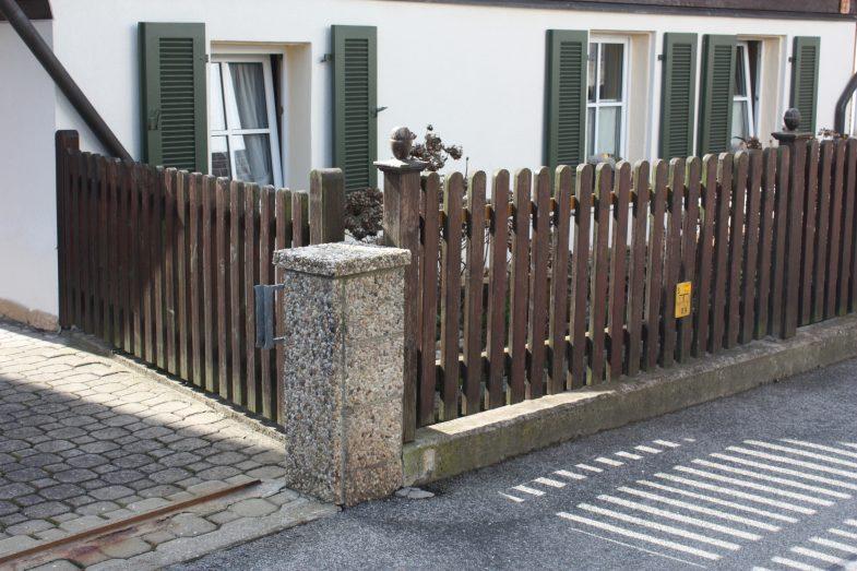 Beispiel für einen Holzzaun